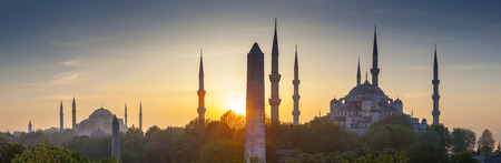 istanbul: Majestic Blue Mosque (built 1616) in the vibrant city of Istanbul, Turkey. Stock Photo