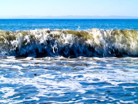 strait of juan de fuca: Waves at the beach in the Strait of Juan de Fuca in the Pacific Northwest.