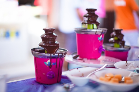messy eater: ChocChocolate fondue for kidsolate fondue for kids