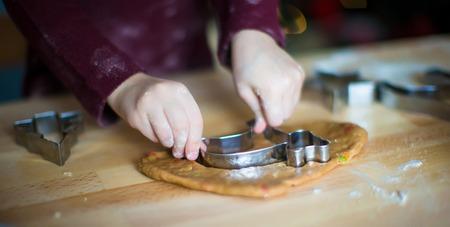 galletas de jengibre: Primer plano de las galletas de jengibre para hornear
