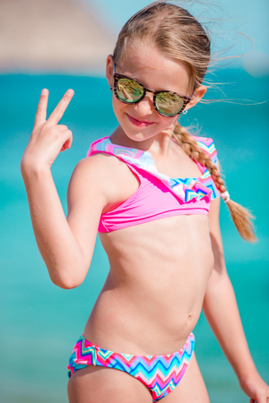 Very young girls in skimpy bikini pics 308