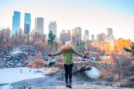 Adorable girl in Central Park at New York City Banque d'images - 133779754