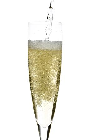 stretta di un isolato calice di champagne in vetro