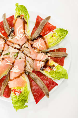 saumon nourriture salade d'anchois photo