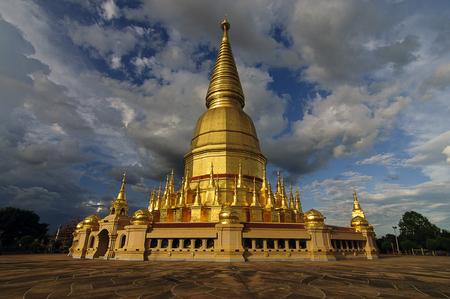 places of worship: Buddhas relics at Li Lamphun (Places of worship Buddha Relics Pagoda), Thailand