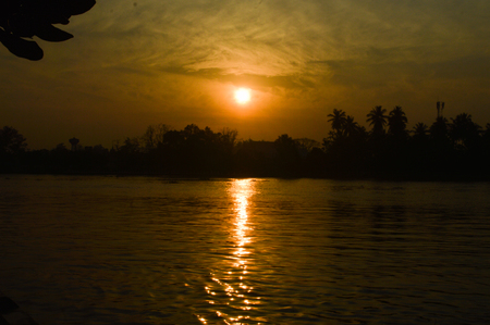 hooghly: The sun was falling beyond the horizon.