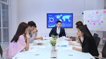 Business concept. Business people are announcing disappointing results at the meeting. 4k Resolution.