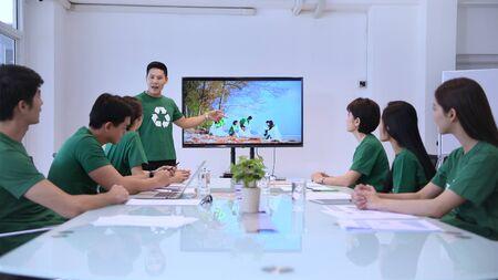 Participation Concept. Volunteer Team talking for work together at meeting room. 4k Resolution. 写真素材