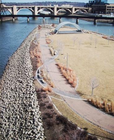 mississippi river: Mississippi River In Minneapolis Stock Photo