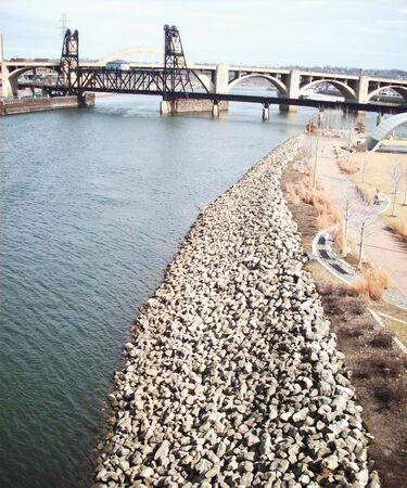shorelines: Mississippi River In Minneapolis Stock Photo