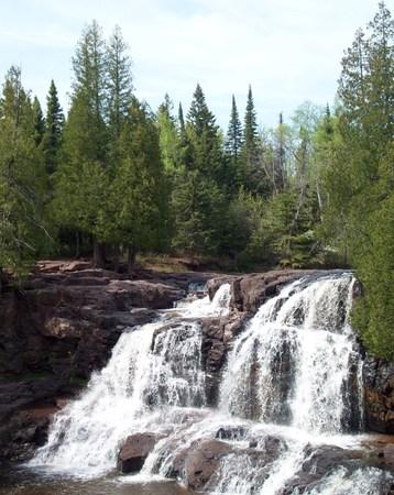 grosella: Cascadas en la grosella espinosa cae parque de estado Foto de archivo