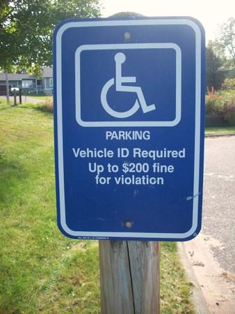 Handicap Parking Sign Stockfoto