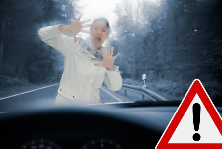 Caution - Poor view causes dangerous driving situations  Always remember to keep your windshield free Фото со стока - 23859208