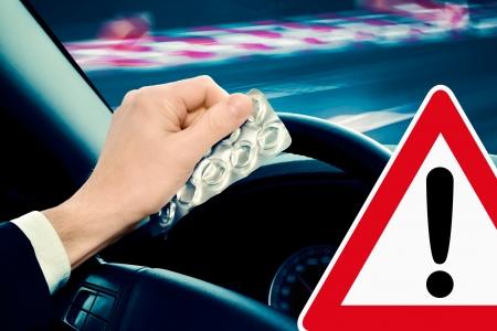 percepción: precaución - conducir bajo la influencia de medicamentos o del alcohol y puede ser peligroso