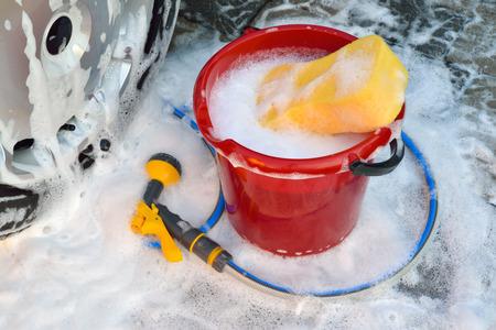 autolavaggio: lavaggio auto a mano
