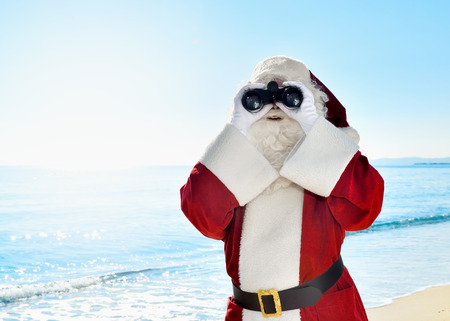 Christmas Vacation - Santa standing on the beach with binoculars, looking for à ¢ â,¬ |