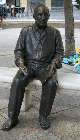 pablo: Scultura di Picasso a La Plaza de la Merced, Malaga, Spagna Archivio Fotografico