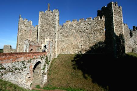 suffolk: Exterior view of Framlingham Castle, Suffolk, England