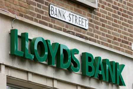 lloyds: Lloyds Bank sign of branch in Bank Street, Braintree, Essex, England