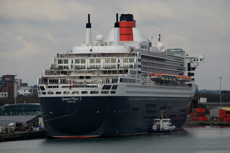 docked: RMS Queen Mary 2, cruise ship, docked in the cruise terminal, Southampton, England