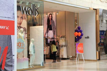 wallis: Wallis store, Bluewater Shopping Centre, Stone, Greenhithe, Kent, England