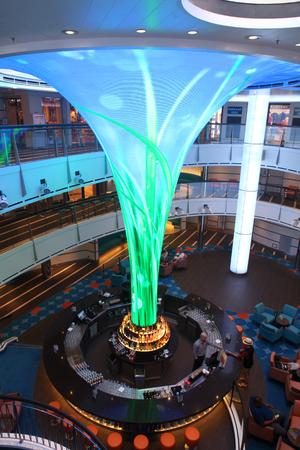 dreamscape: Carnival Vista, inaugural cruise season 2016, Dreamscape in atrium