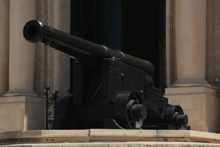 castille: Canon outside the Auberge de Castille, now the Prime Ministers Office, Valletta, Malta