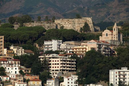 forte: Forte Gonzaga positioned overlooking Messina, Sicliy, Italy