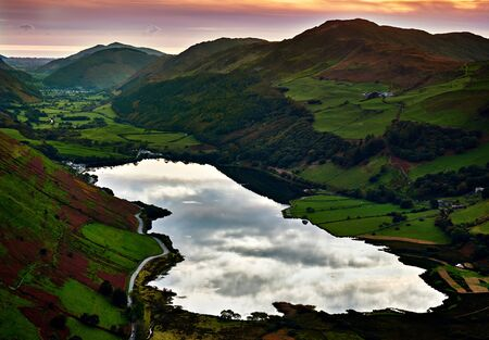 Sunset at Tal-y-llyn Lake and Dysynni Valley Wales Imagens