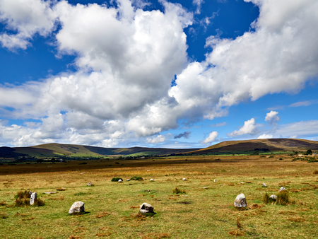 Gors Fawr Stone Circle Preseli Hills. Thought to be Bronze Age the near perfect circle comprises sixteen stones twenty-two metres in diameter. There was an avenue that leads to two much larger outlying stones 134 metres to the NNE. Imagens