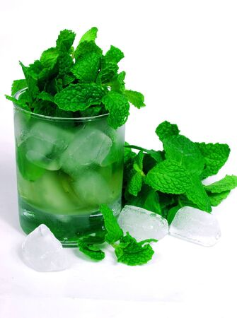 robustness: green tea and mint on ice glass