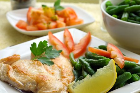 Roasted chicken medallions with vegetable