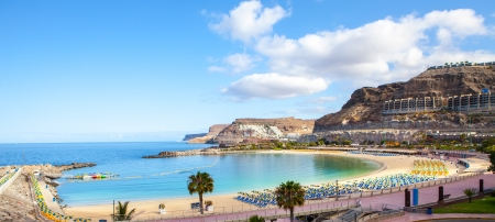 canaria: Amadores beach on early morning in gran canaria island