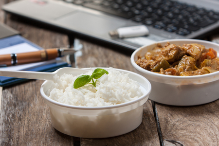 take away: food to take away and eat in the office