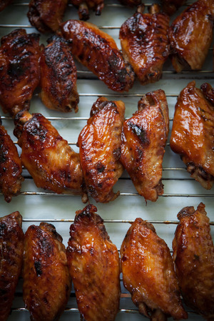 jerk: Hot bbq chicken wings on oven tray