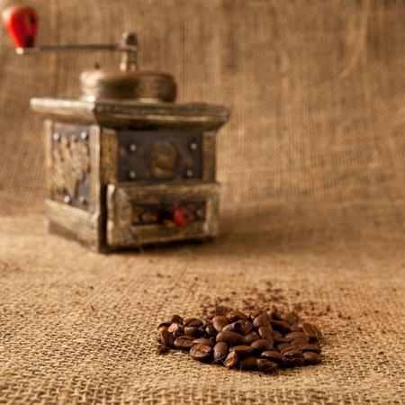 młynek do kawy: MÅ'ynek antyczne kawy Zdjęcie Seryjne