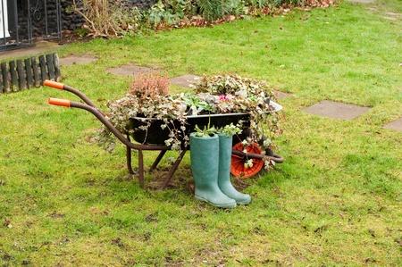 work load: wheelbarrow garden Stock Photo
