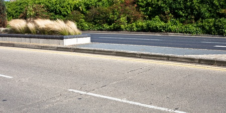 the carriageway: Detailed view of a modern dual carriageway