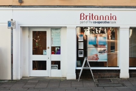 britannia: BURY ST EDMUNDS - NOVEMBER 04: A branch of Britannia Building Society in Bury St Edmunds, on November 04, 2013.  Britannia merged with the Co-operatve bank in 2009, and now the Co-operative bank is undetoign branch closures across the UK. Editorial