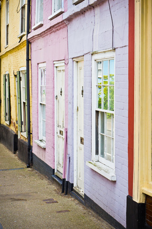 neighbours: Vibrant town houses in Bungay, Suffolk Stock Photo