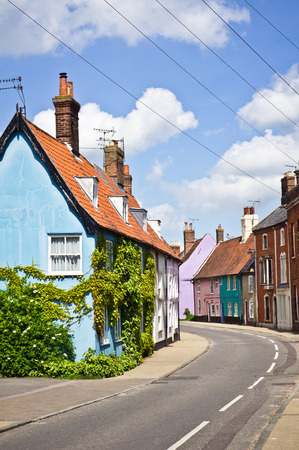 suffolk: Vibrant town houses in Bungay, Suffolk Stock Photo