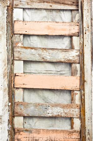 rungs: Los tablones de madera contra un suface nylon Foto de archivo