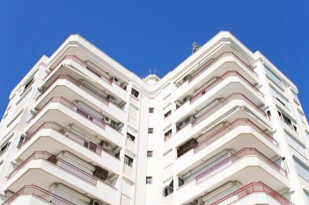 investment real state: Parte de un edificio moderno en Turquía