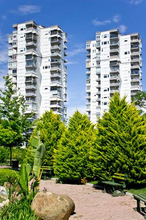 investment real state: Modernos edificios de apartamentos en Antalya, Turqu�a Foto de archivo