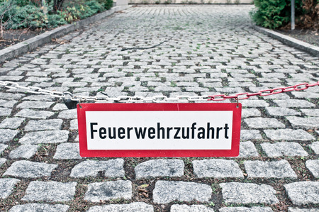 emergency lane: A warning sign in German for a fire escape route