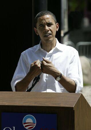 Reno, Nevada - Juni 2007: Barak Obama geben eine Pressekonferenz in Reno nach einer Wahlkampfveranstaltung und Rede.