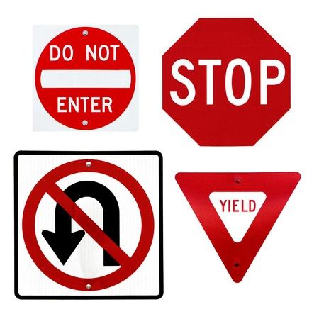Eine Sammlung von vier gemeinsamen Verkehrszeichen