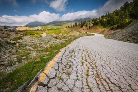 Serpentine Road, Mountain road