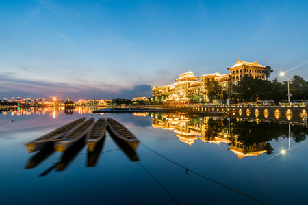 Nightscape at dusk at Longzhou pond in Jimei, Xiamen Editoriali