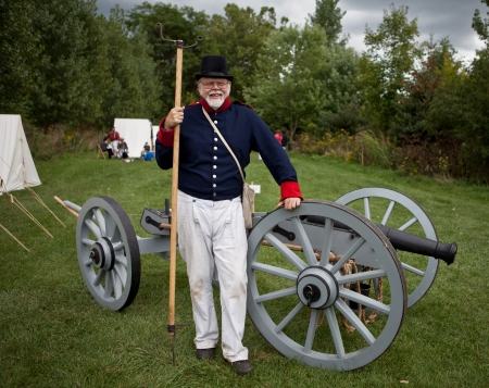 American soldier with a canon, War 1812